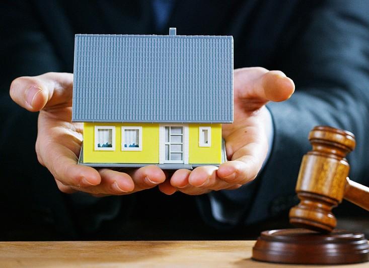 Huis gekocht en niks geregeld? Tijd voor de notaris!